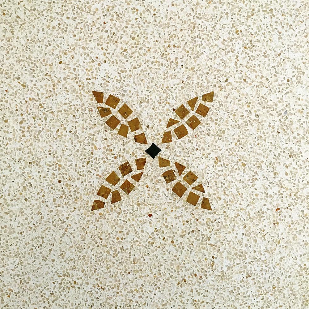 Produzione di pavimenti per interni mosaico 40x40 marti for Pavimenti a mosaico per interni